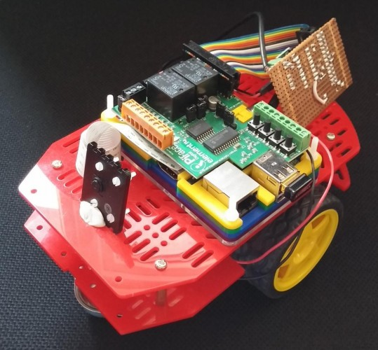 Introducing Pisaac, my Raspberry Pi robot