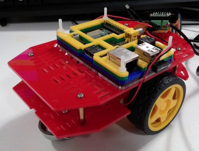 Basic construction of Pisaac, my Raspberry Pi robot